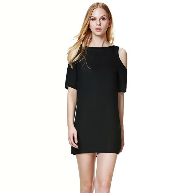 Model Mini Dress Simple Dengan Asimetris Sleeves Balutan Warna Black