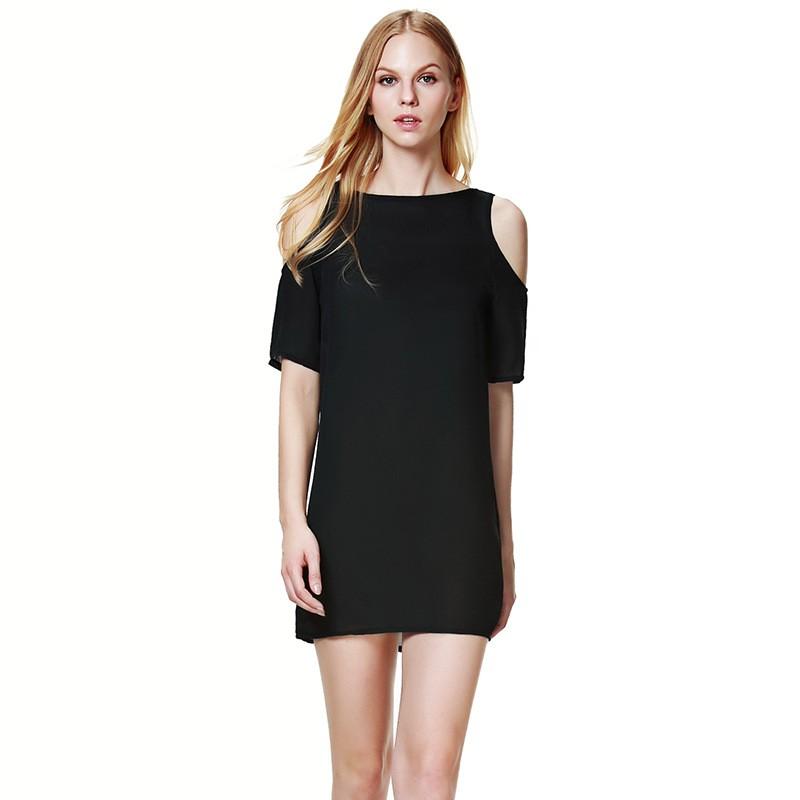 Model Mini Dress Simple Dengan Asimetris Sleeves Balutan Warna Black