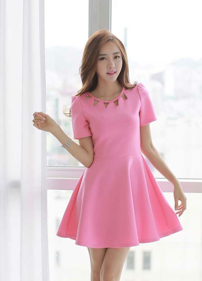 Model Mini Dress Simple Tipe Short Sleeves Konsep Pinky