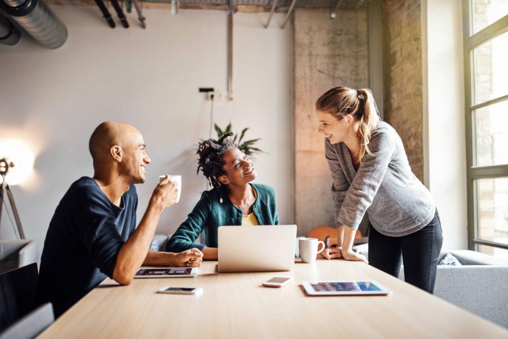 4. Menambah Relasi Untuk Mengembangkan Bisnis Anda